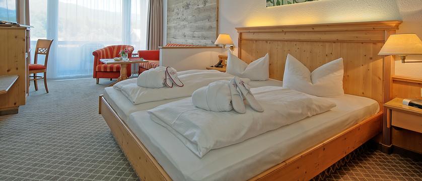 Alpenhotel Fischer, lounge, Berchtesgaden, Type Grunstein bedroom .jpg